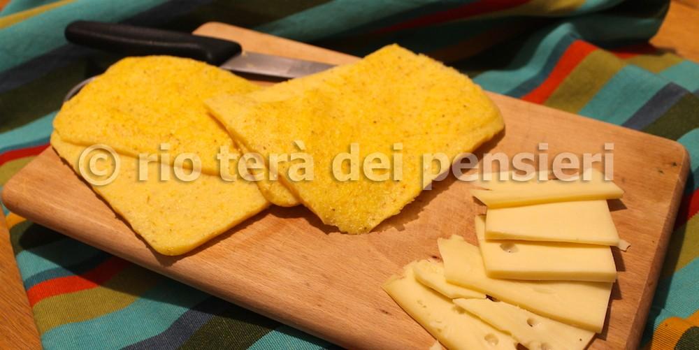 toas polenta preparazione